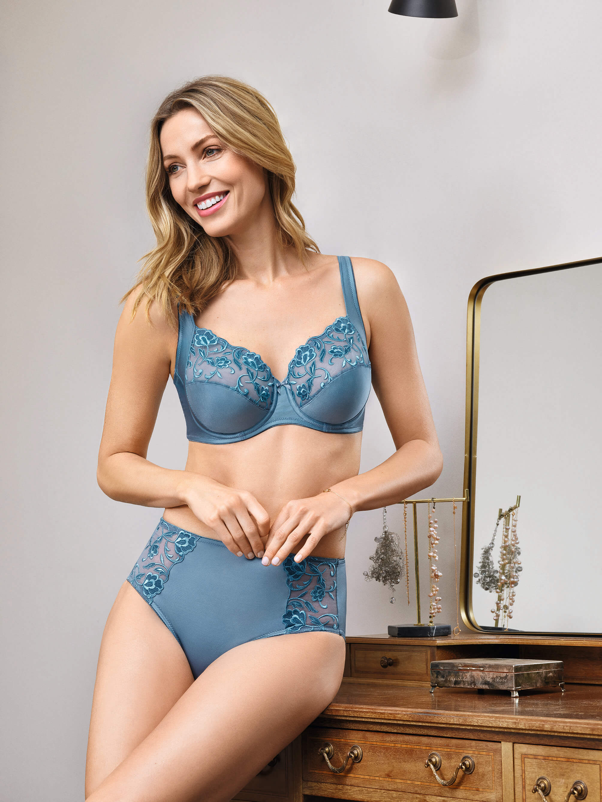 Conturelle By Felina Moments Non-wired Body 5019 New Womens Shaping Lingerie